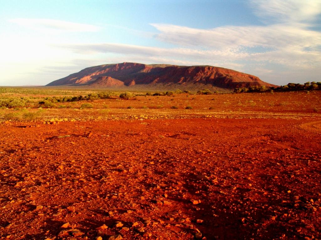Australia-Outback-Mt-Augustus-bel-panorama-che-ci-fa-apprezzare-la-semplice-natura